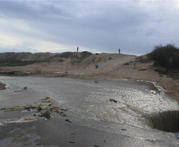Praias de São João e Santo António da Caparica destruídas pelas ondas do dia 9 de Outubro