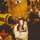 PROTESTOS. A manifestação de segunda-feira, depois de Vítor Gaspar ter comunicado ao País o Orçamento do Estado para 2013. Maria Archer – artista plástica e actriz de 30 anos – viu manifestantes despirem-se e, solidária, tirou também a camisola