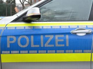 Unfall: Soester schraubt Kennzeichen ab und flieht