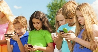 Study: Children Get Their First Smartphone at the Age of 10, on Average