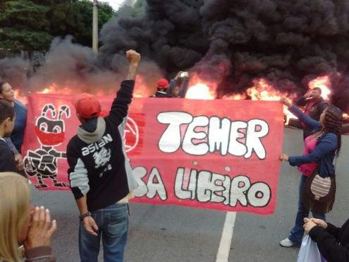 Manifestantes protestam contra Temer em SP