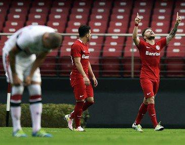 Lugano marca, mas Inter vence São Paulo no Morumbi