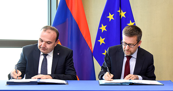 Carlos Moedas, Commissioner of Research, Science and Innovation, and Levon Mkrtchyan, Armenian Minister of Education and Science